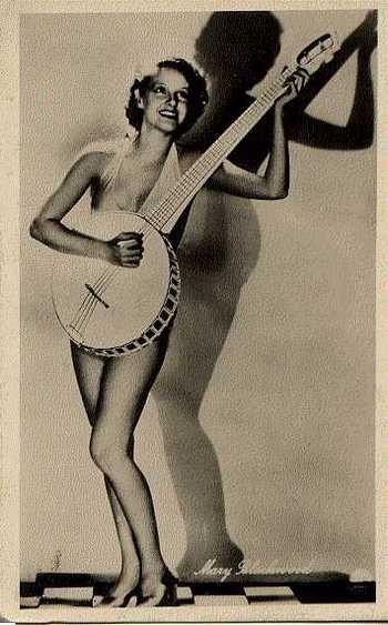 Aaa_banjo_player_2
